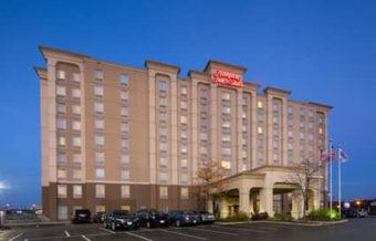 Hampton Inn & Suites by Hilton Toronto Airport